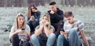 The Negative Effects Of Phone Addiction In The Real World